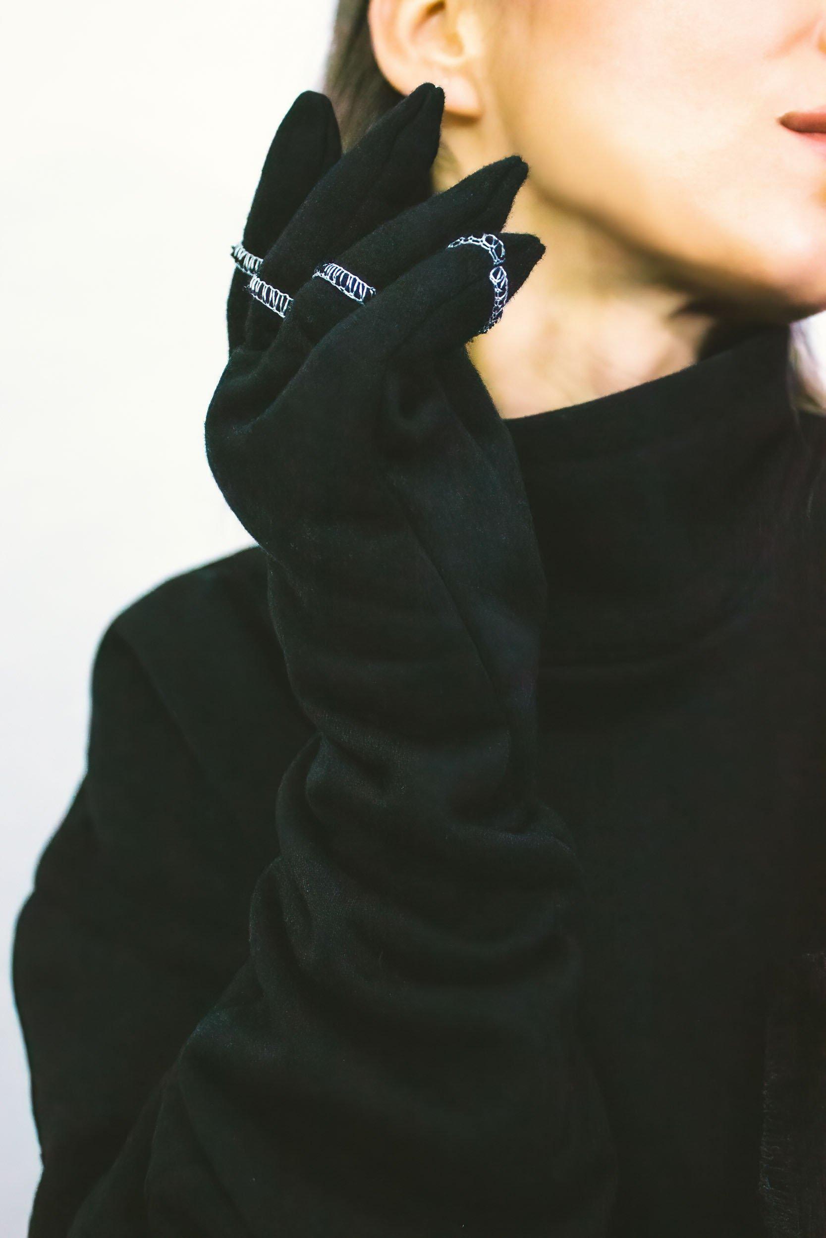 Black fleece long gloves